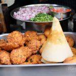 【インド・バラナシ旅記録13】小腹が空いた時に!ベンガリートラでつまみ食いグルメ。(2017年冬)