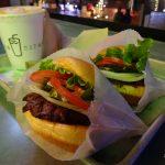 【アメリカ・ラスベガス】繁華街でハンバーガーショップをはしご!おススメの2店を紹介します。