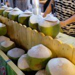 【タイ・バンコク19】ナイトマーケットで初めてのココナッツジュース(2017年11月)