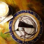 """【エストニア・タリン/ 女一人旅】アンティークな空間が楽しめるカフェ""""The Pierre Chocolaterie""""(2018年2月)"""