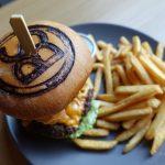 """【ラトビア・リガ/ 女一人旅】平日ランチがお得なハンバーガー屋""""Burger Studio""""(2018年2月)"""