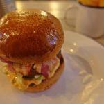 """【リトアニア・ヴィリニュス/ 女一人旅】この旅最後のハンバーガーは""""Drama Burger""""で〆る(2018年2月)"""