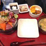 【千葉・勝浦】未だかつてこんなにも緊張感のある空間で海鮮丼を食べたことがあっただろうか。